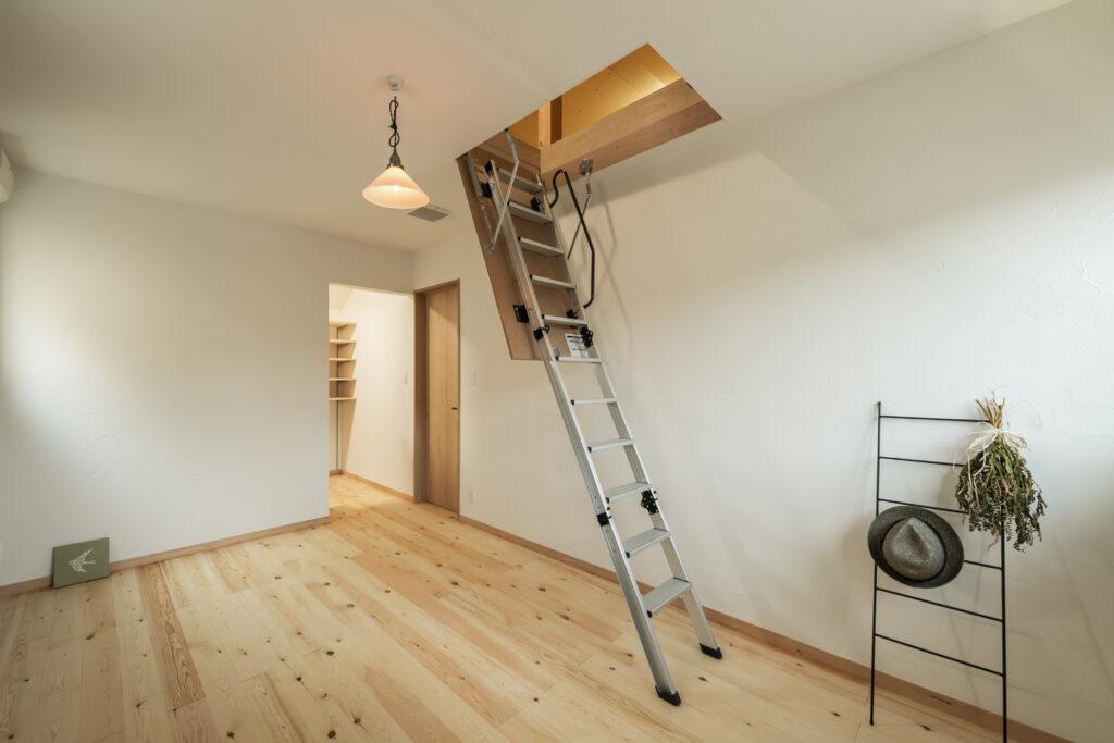 パッシブ設計による大久保工務店の小屋裏エアコンの注文住宅